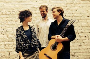 LES CHATS NOIRS Charlotte Haesen (voc), Philip Breidenbach (gt), Filipe Caporali (double bass),Samuel Reisen (dr)